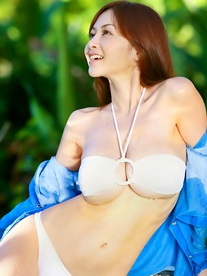 Anri Sugihara Asian with huge bazoom bas is playful in the water